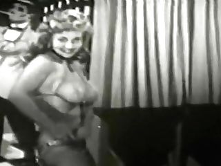 Virginia Bell - Provocative Jazzy Burlesque Taunt